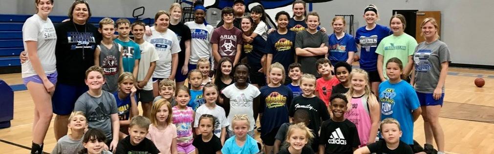 Students at 2021 Basketball camp