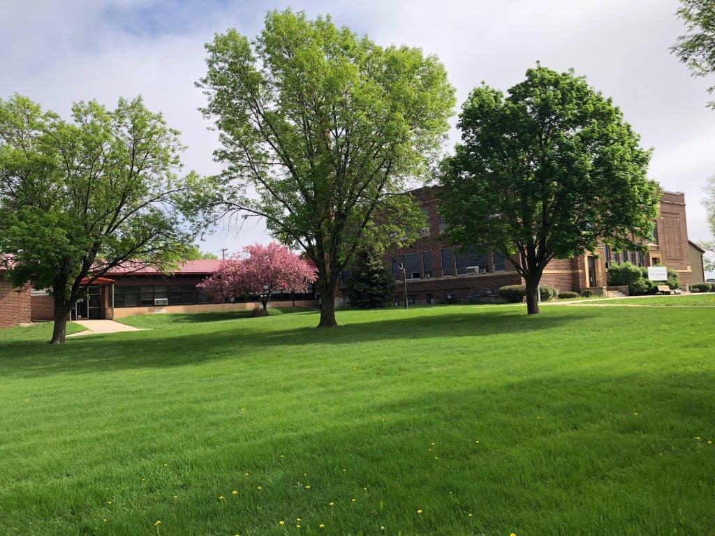 Front lawn of Echo Charter School