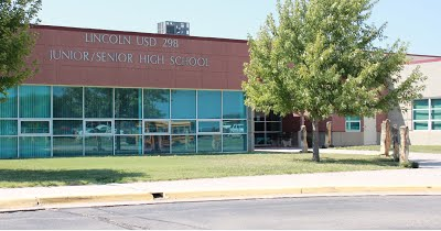 A photo of the front of the Lincoln USD 298 Junior/Senior High School building