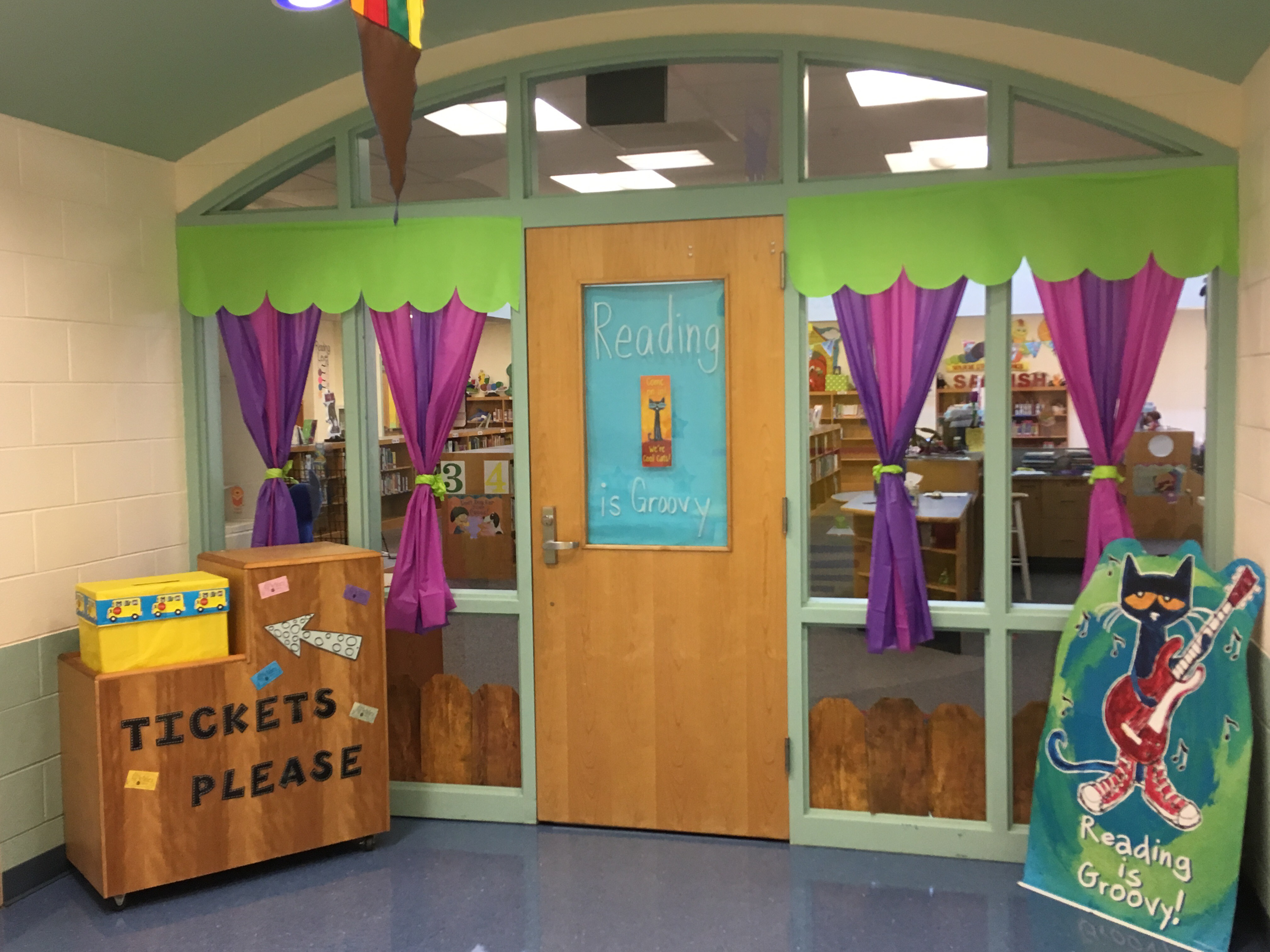 INGLESIDE PRIMARY LIBRARY