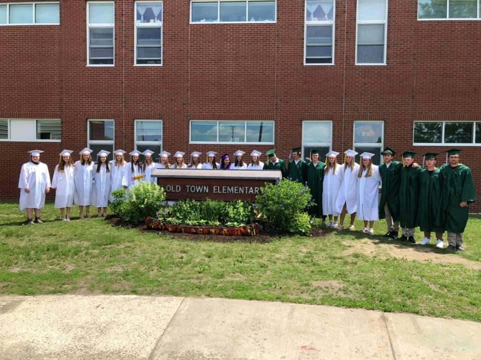 OTES Students Return at Graduation