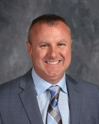 Scott Dial, Principal