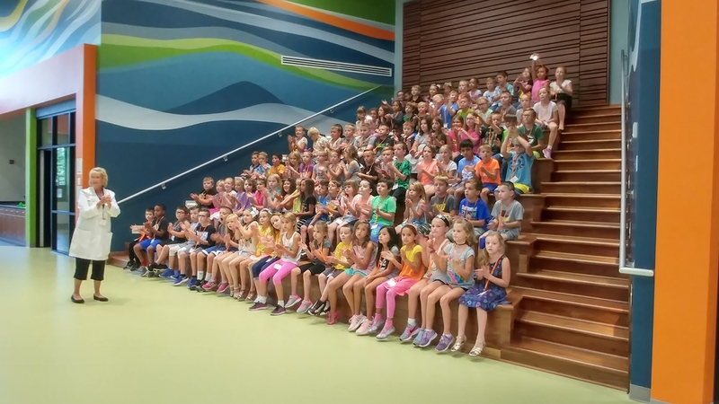 photo of kids in imagination lab