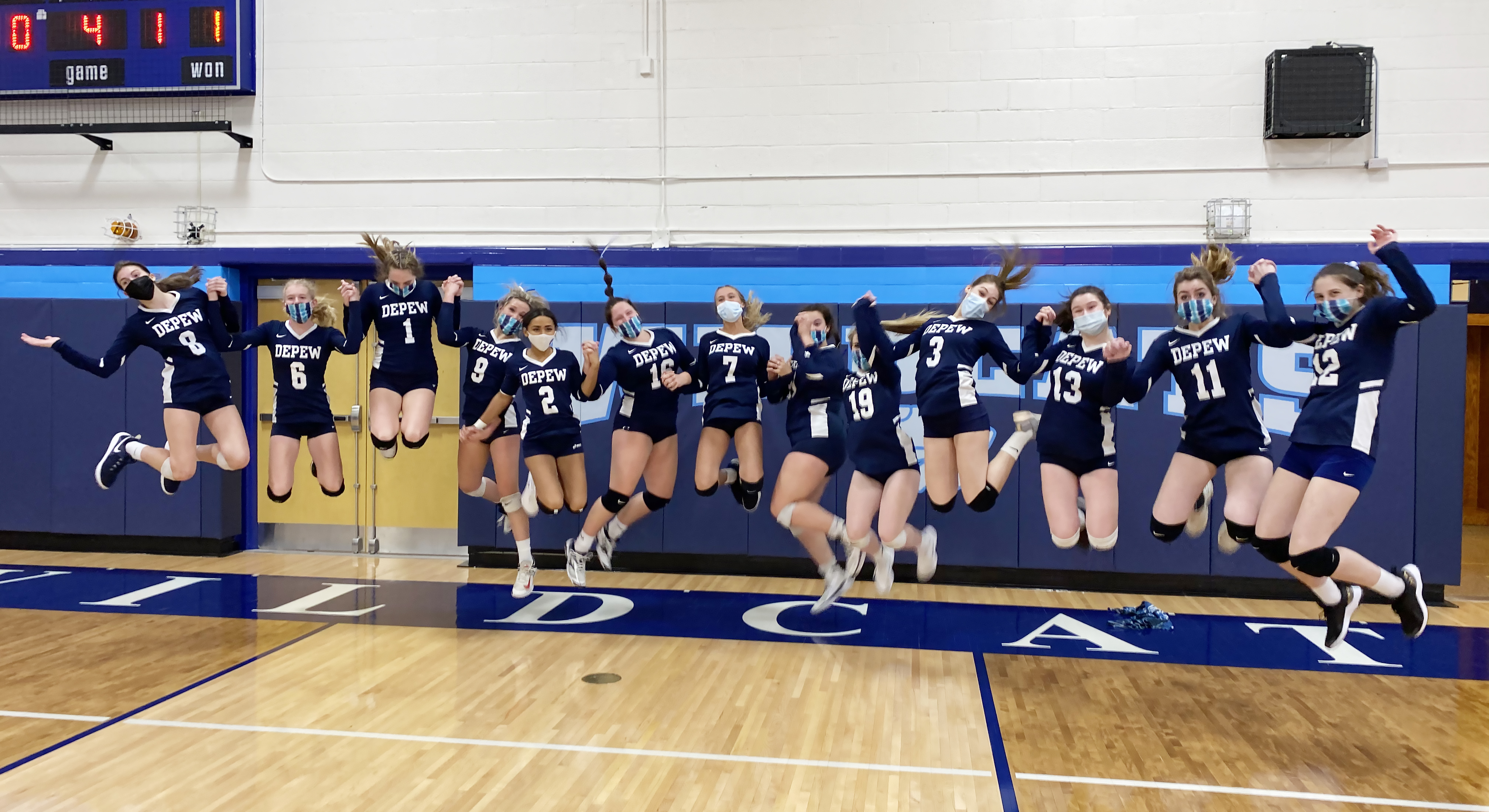 Varsity Girls Volleyball head to section championships