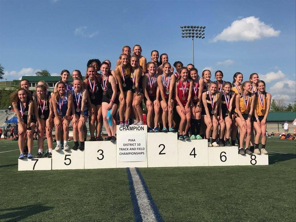 Track girls medalists