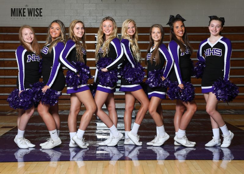 Photo of the 2019-2020 Varsity Cheer team.