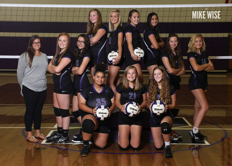 Photo of the 2019-2020 C Volleyball team.