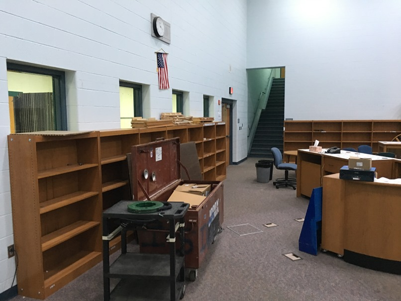 Photo of the elementary library.