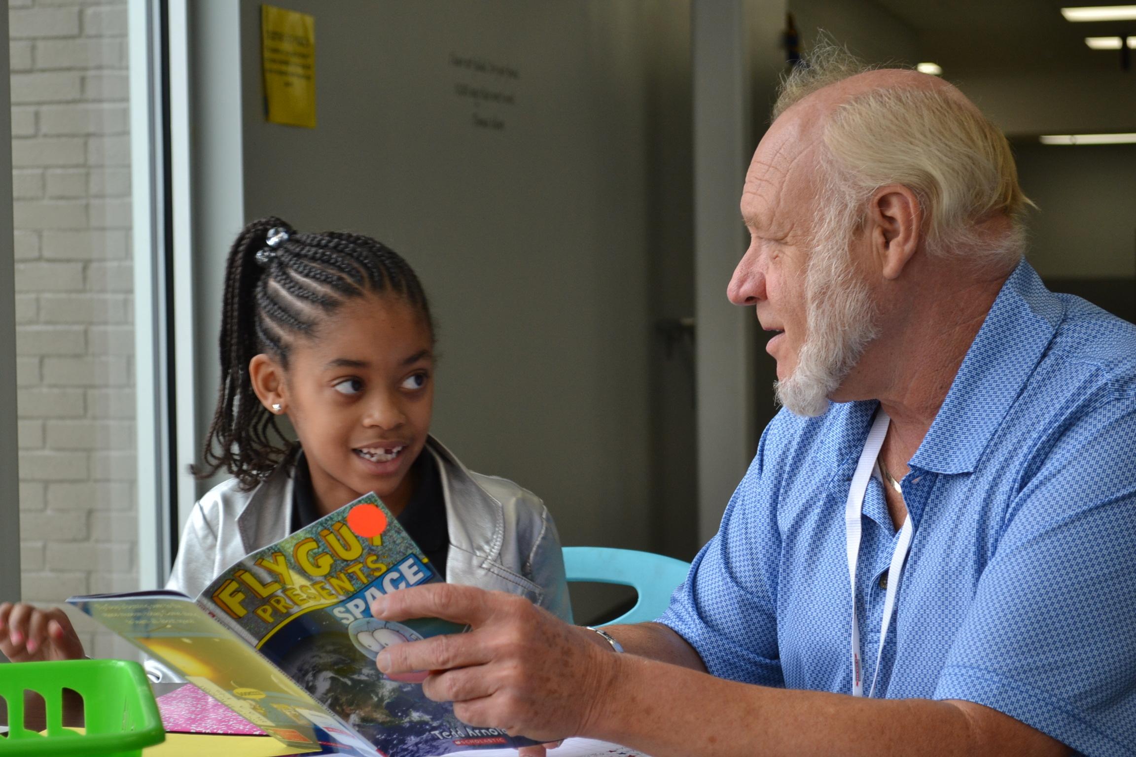AR Kids Read 2018-2019 Volunteer and Student