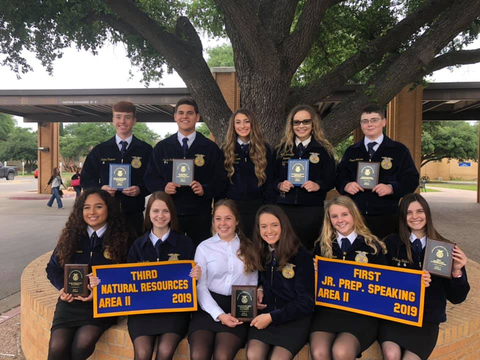 FFA students at area competion