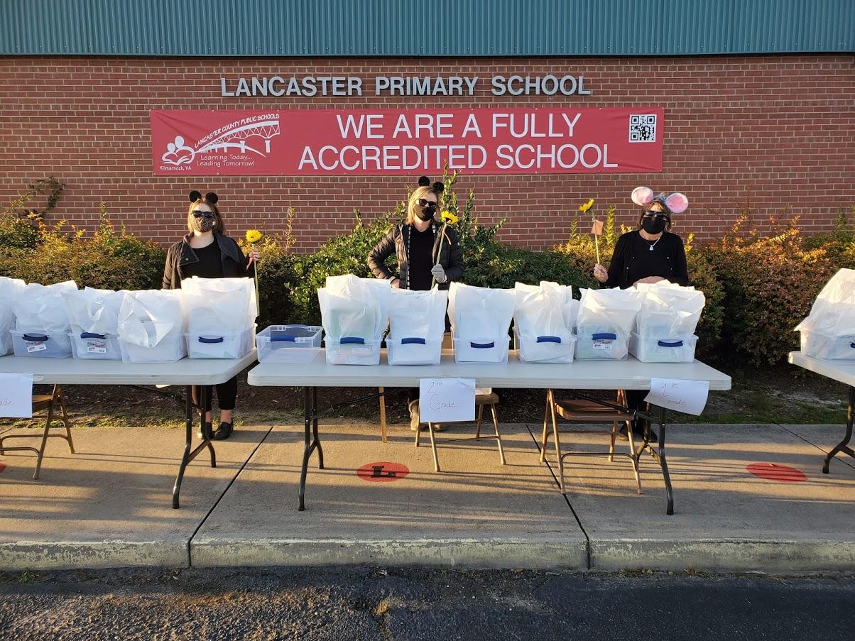 """Three LPS teachers dressed as """"three blind mice"""""""