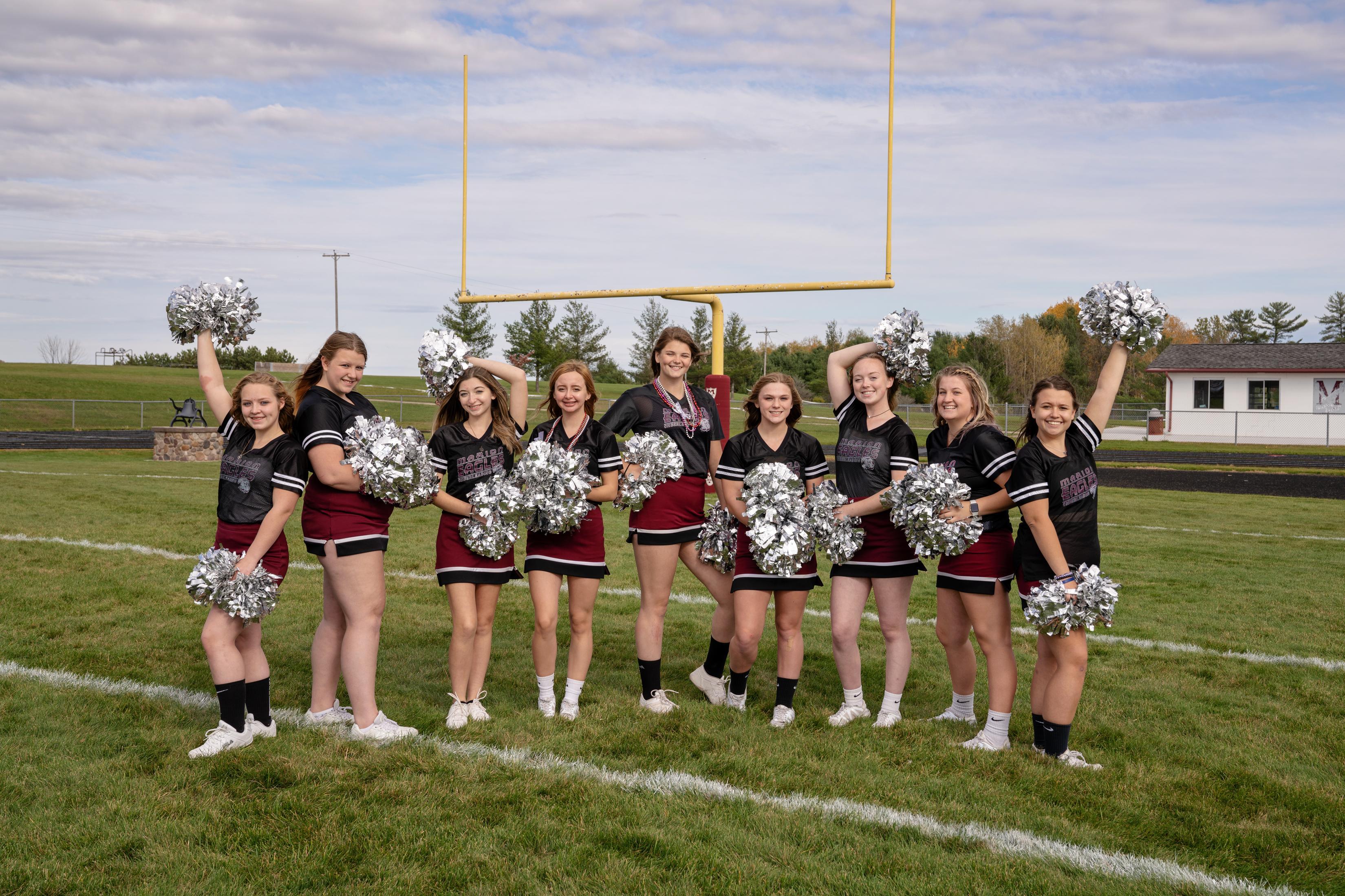 Seniors Sideline Cheer