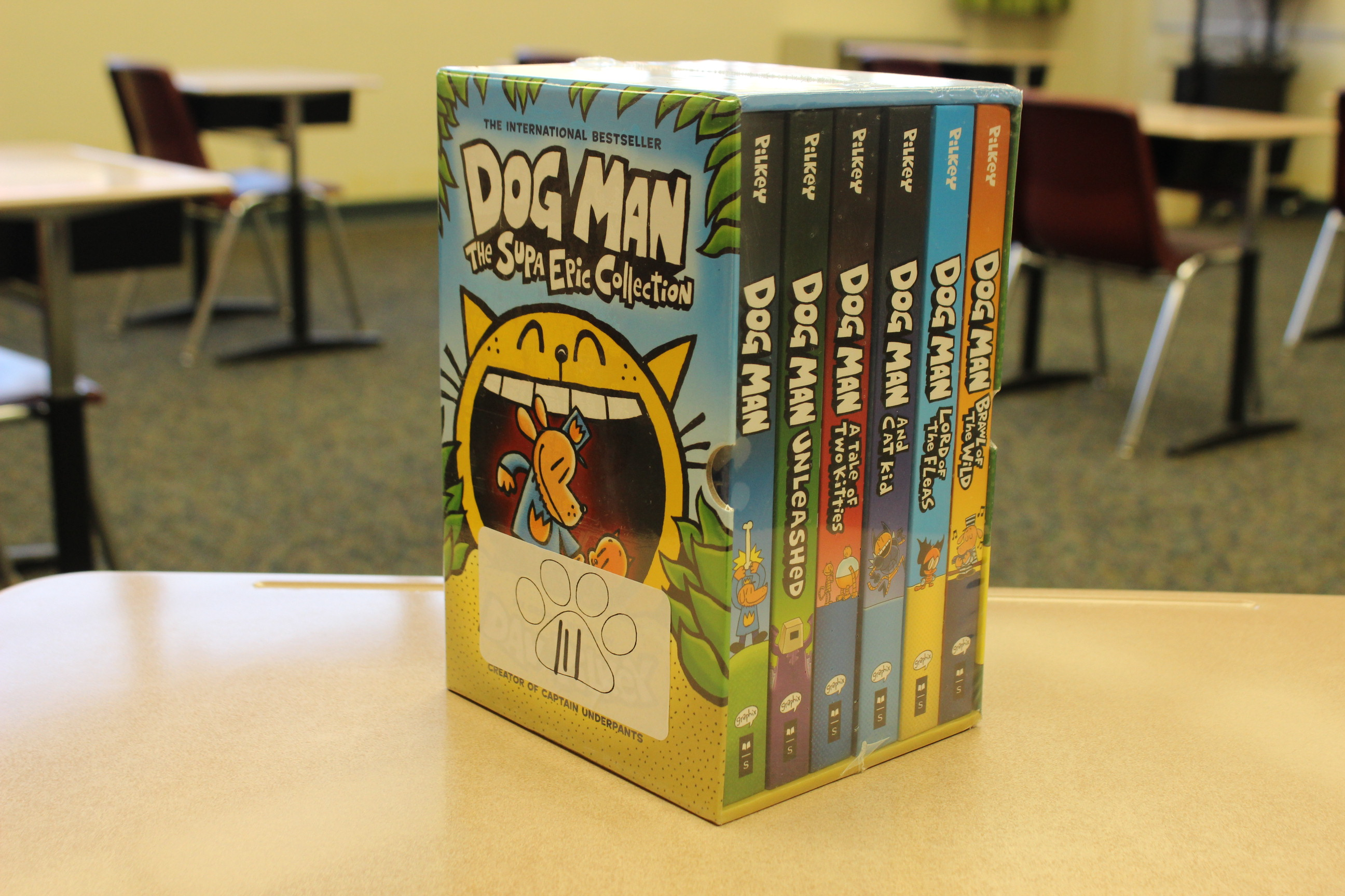 111 Paws Dogman Book Set