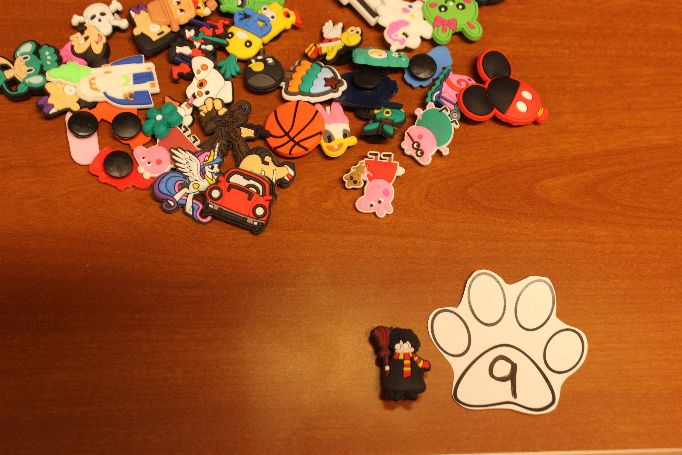 9 Paws Mini Figures