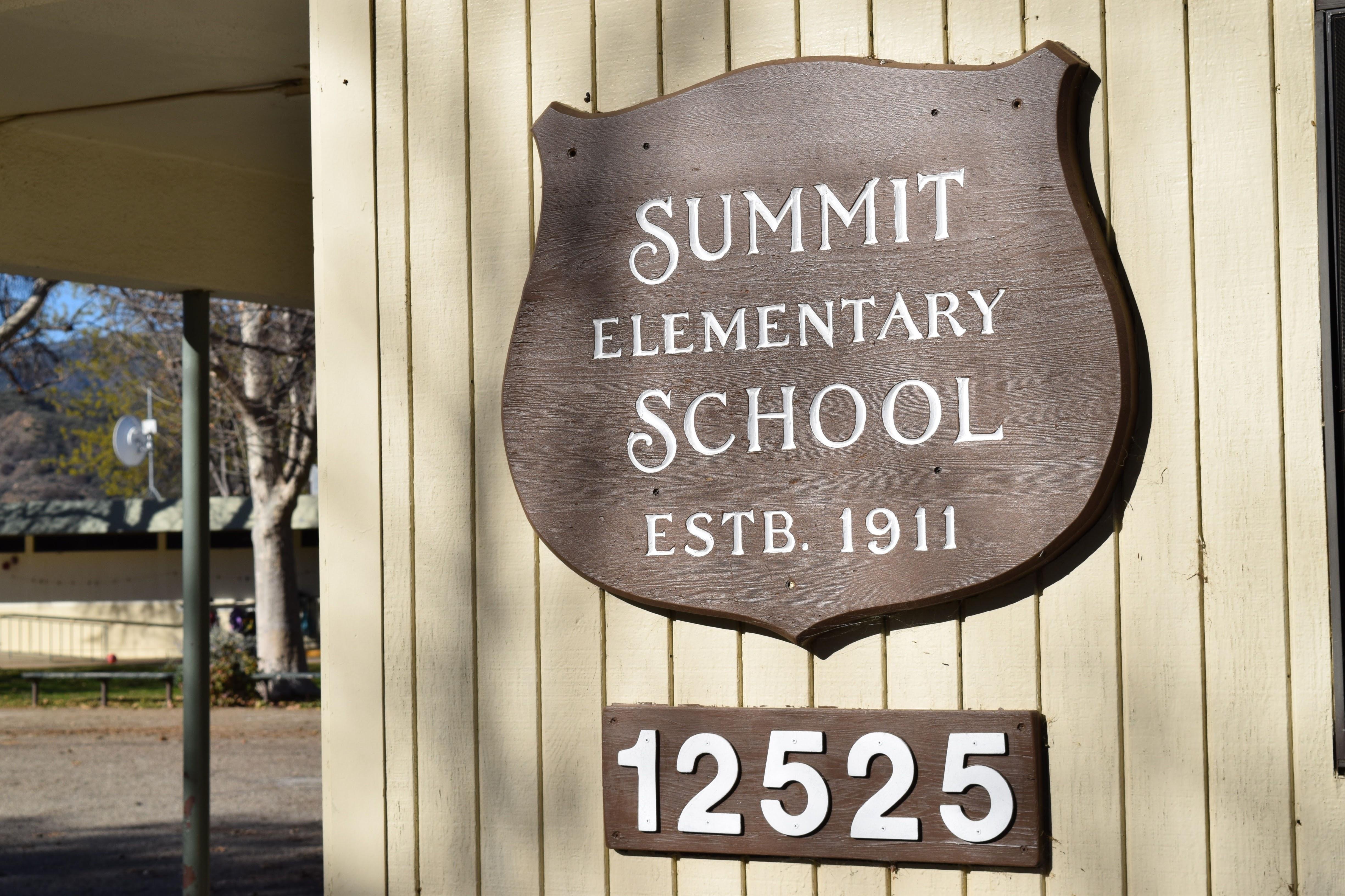 Summit emblem