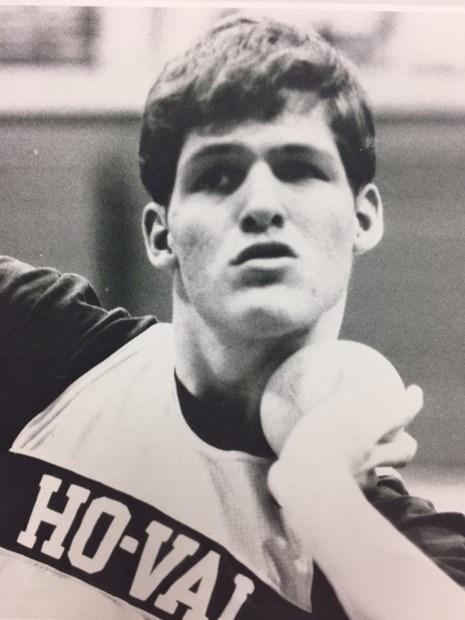 A photo of Aaron Echternacht.