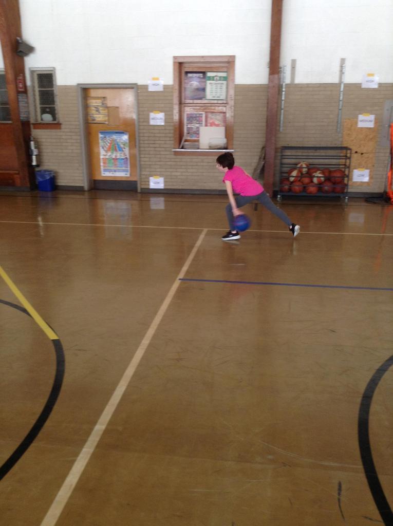Grade 4 Phys. Ed. --Bowling
