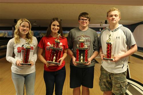 L to R: Emma Fiske – Girls Sportsmanship Winner; Liz Stewart – Team MVP; Brandon Milanowski – Boys MVP;Hunter McAuley – Boys Sportsmanship Winner