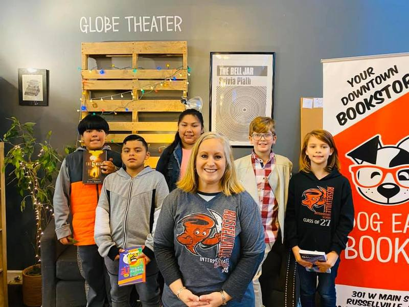 Photo of a librarian along with the students