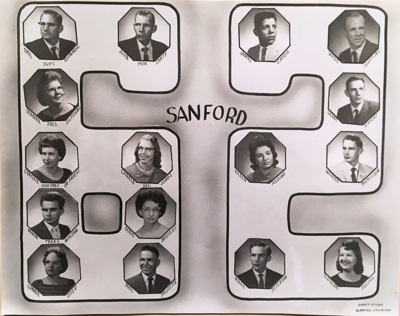 a photo of the seniors from the class of 1962