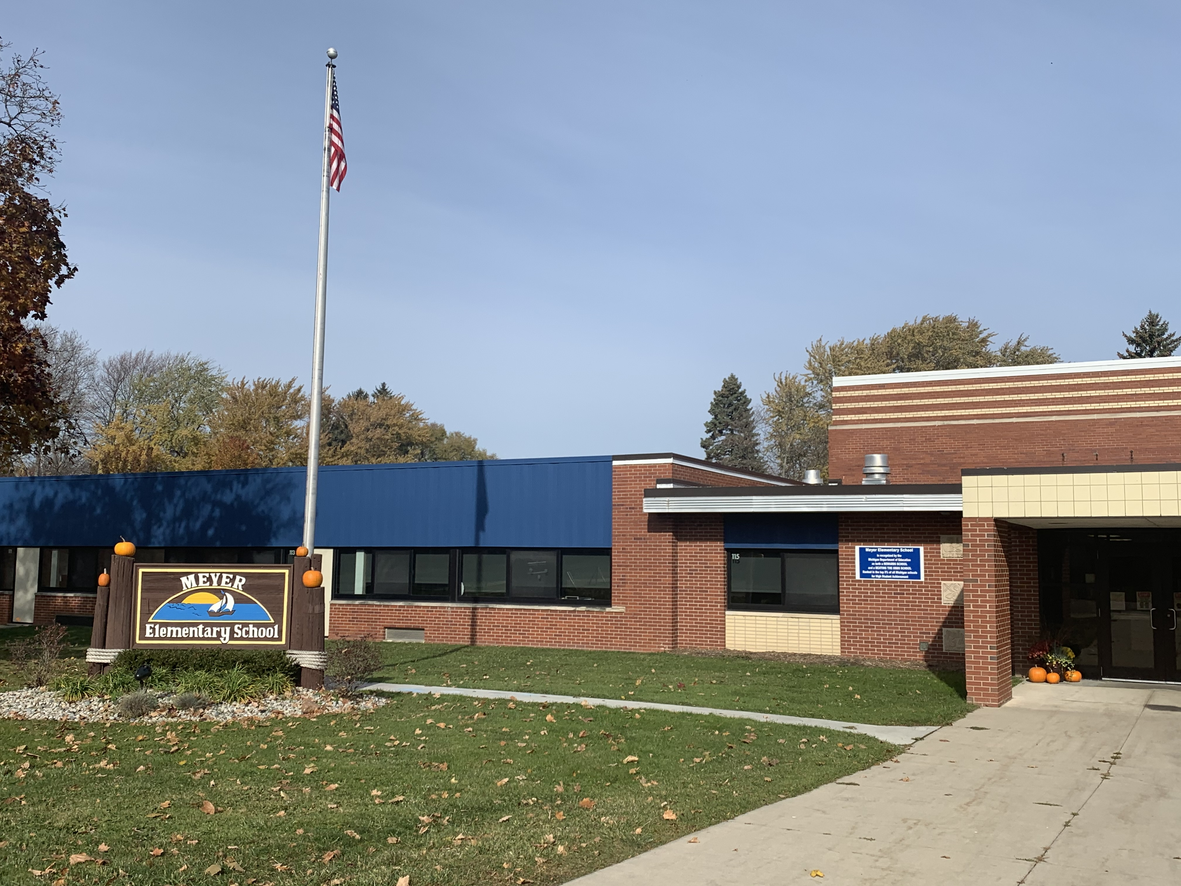 Meyer Elementary Entrance