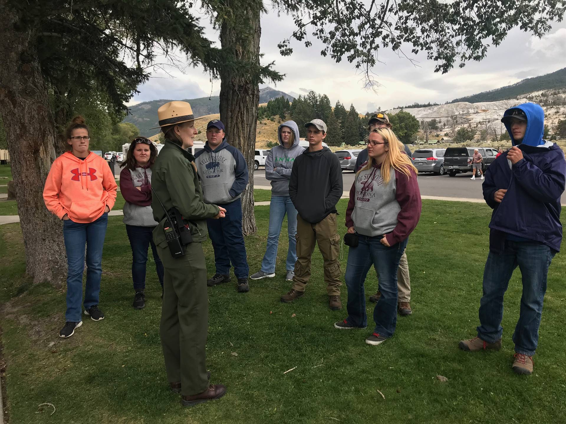 Wildlife conservationist taking to group of students