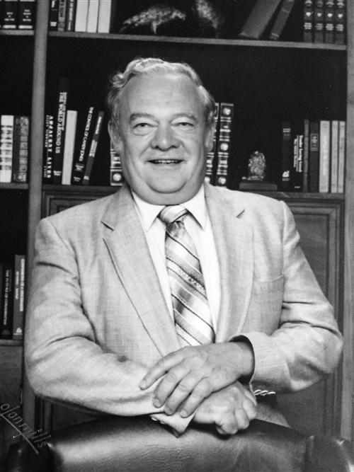 Photo of Dr. Joseph L. Warthling.