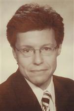 Photo of Robert E. Warner.