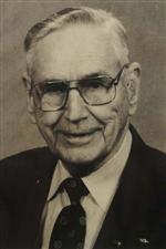 Photo of G. Delwin Hervey.