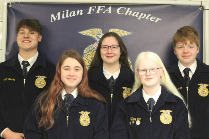 Photo of the 2020-2021 FFA ASSISTANT OFFICERS.