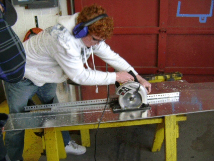 cutting the plate with carbide tip saw