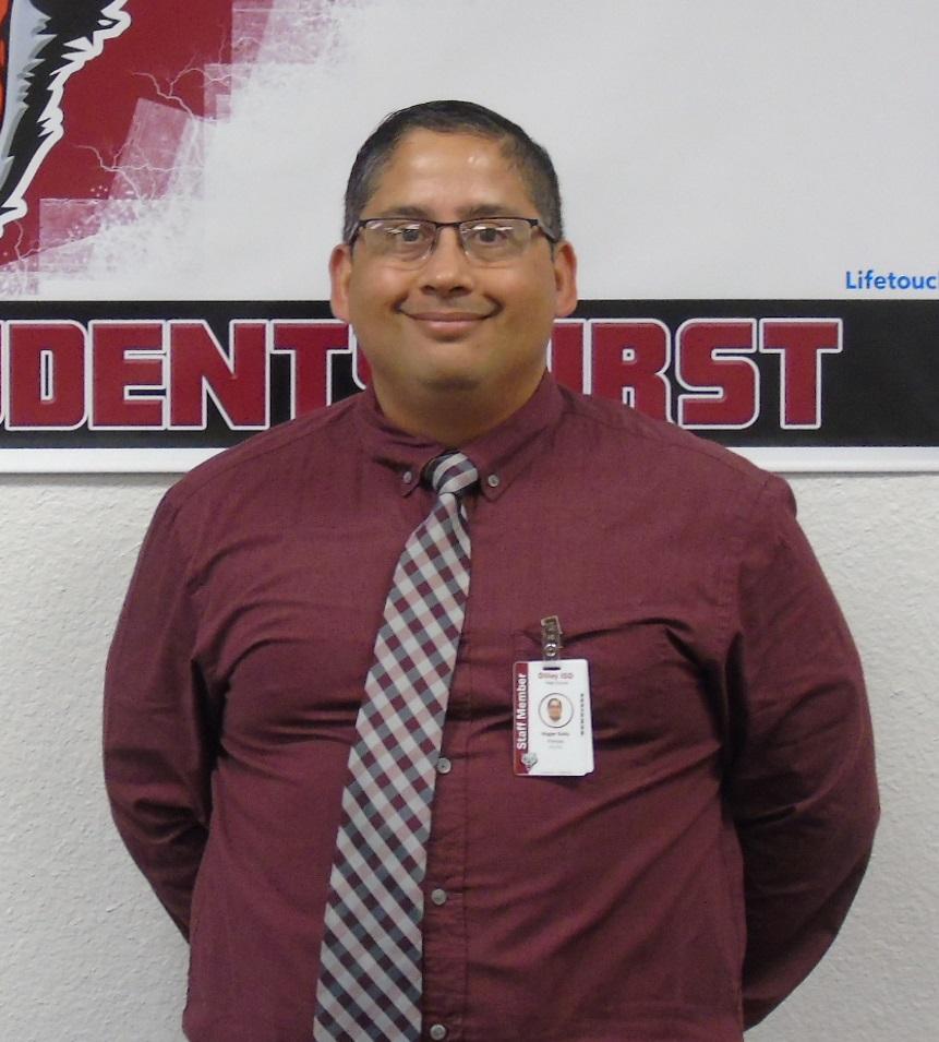 photo of principal Roger Solis