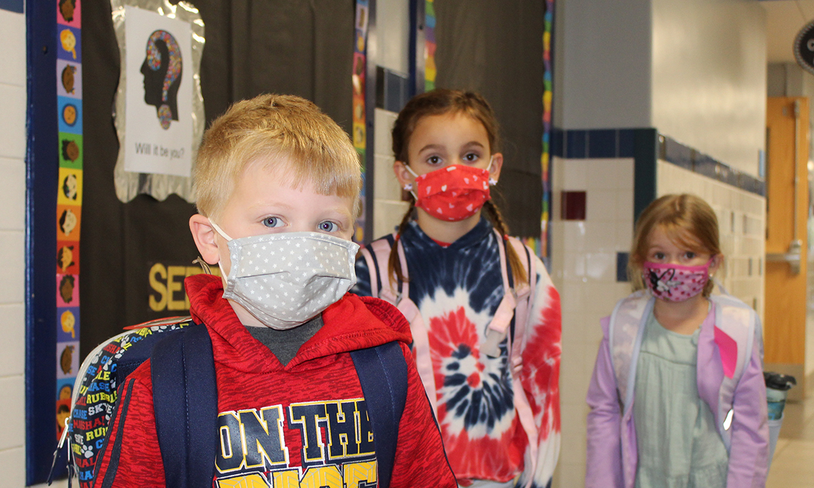 closeup  students in masks