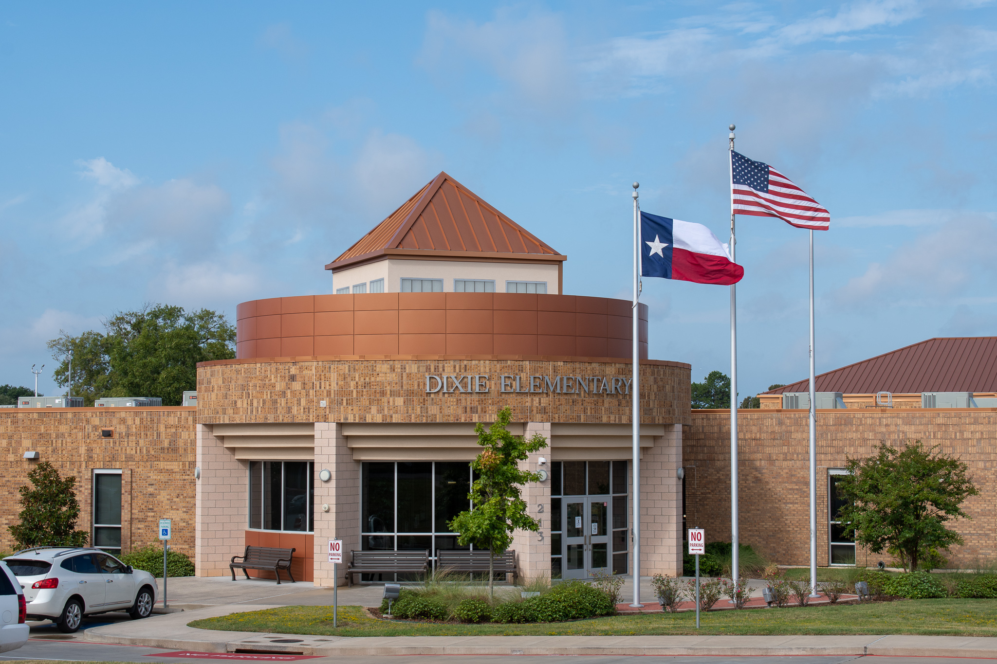 Dixie Elementary front entrance