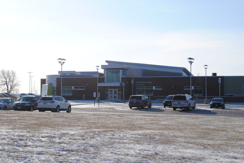A photo of MIDDLETOWN PRAIRIE ELEMENTARY school.