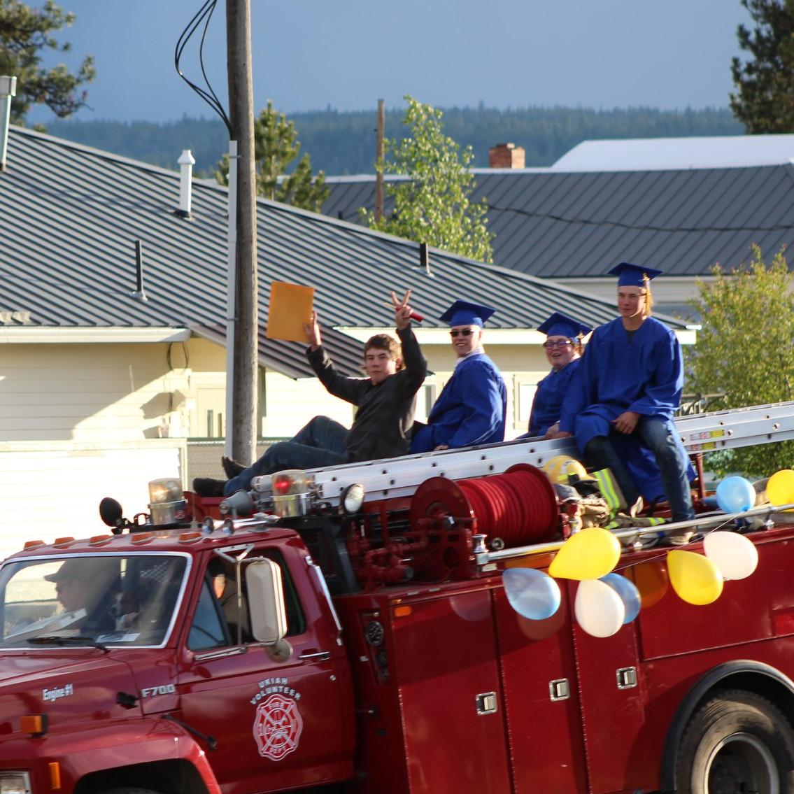 Graduating class of 2020 on fire truck