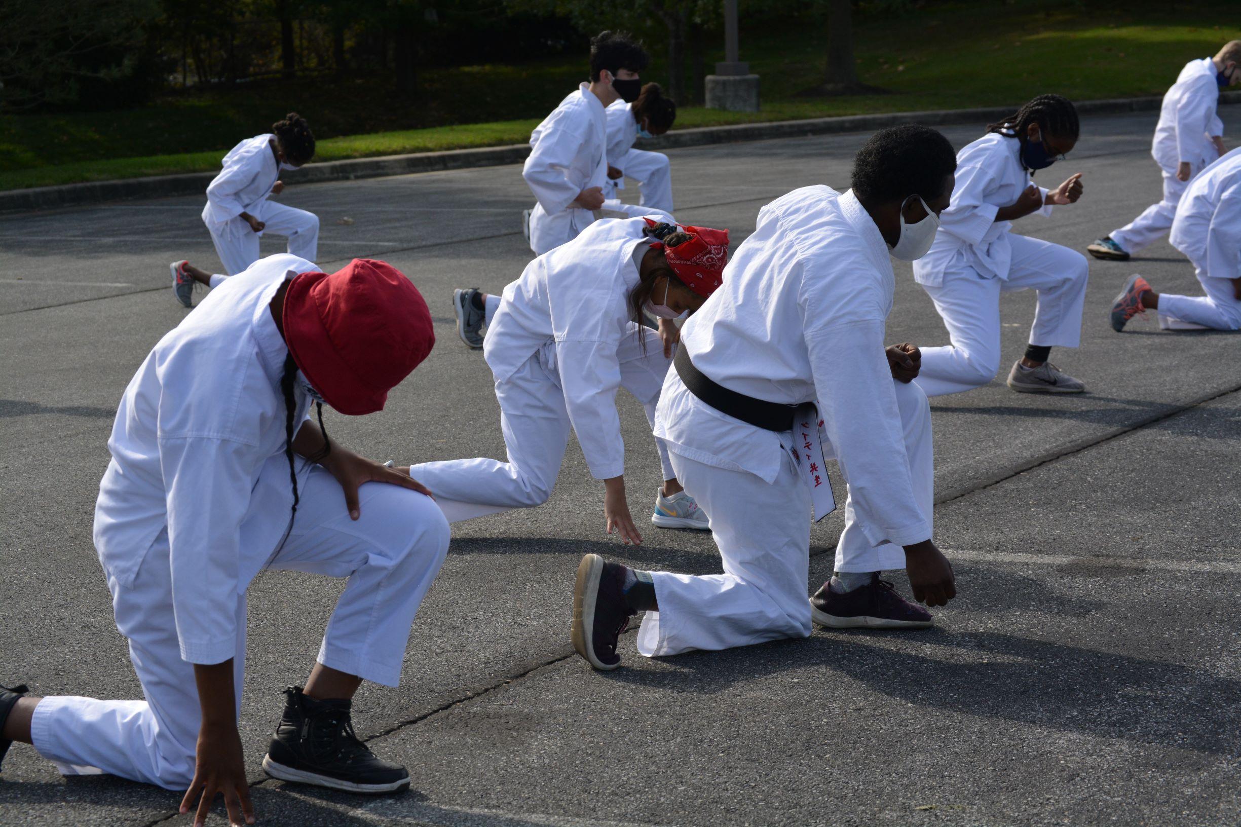 Karate - sizing stance