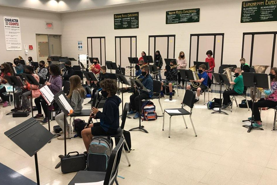 students with band instruments