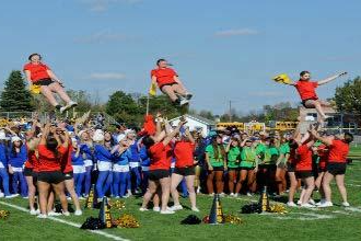 High school students in cheer