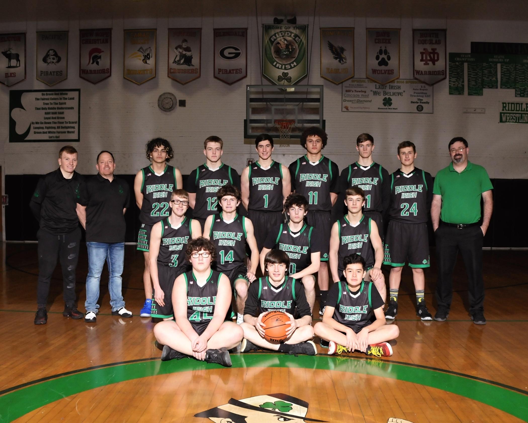 Riddle High School boys basketball team photo.