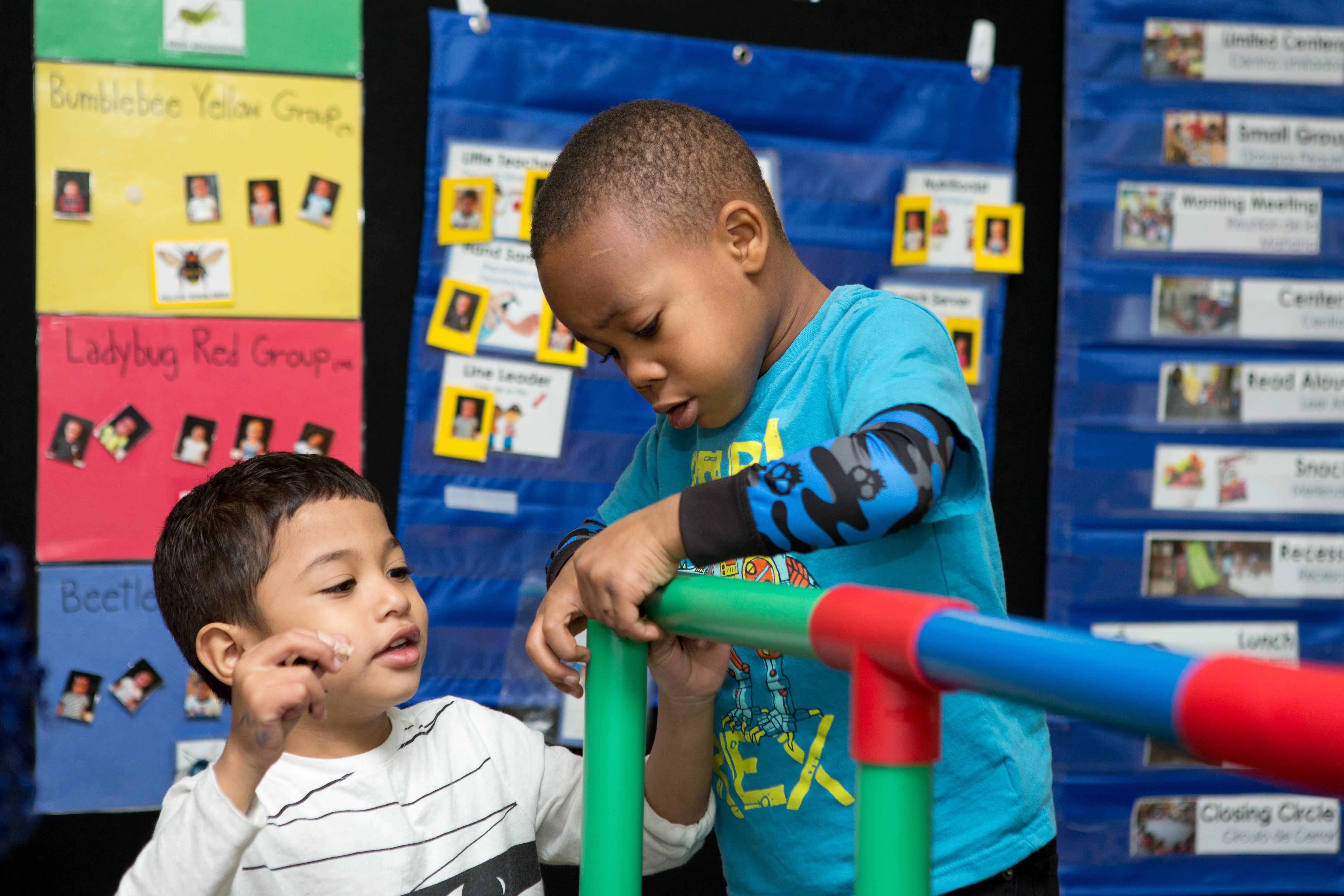 picture-children-building