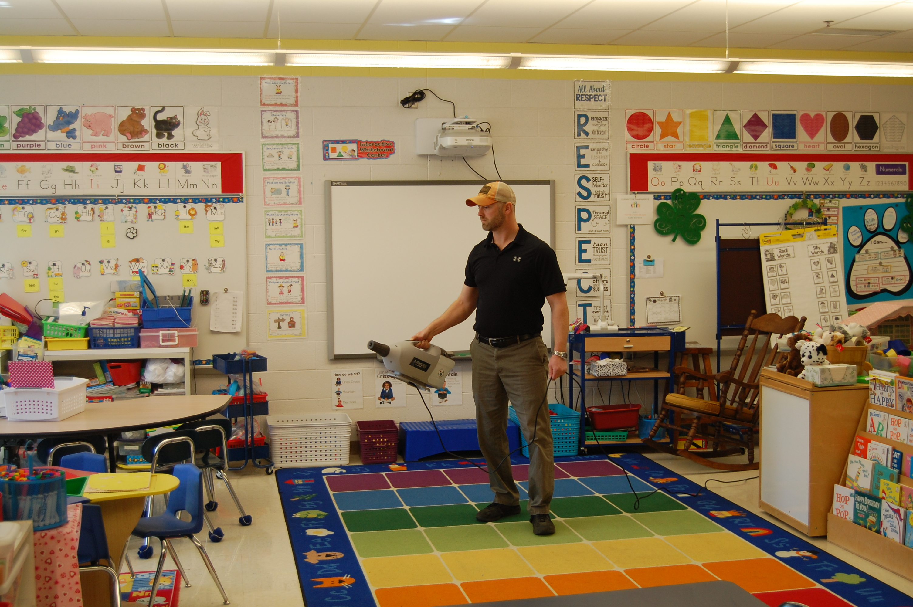 Cleaning a classroom with GenEon Mister