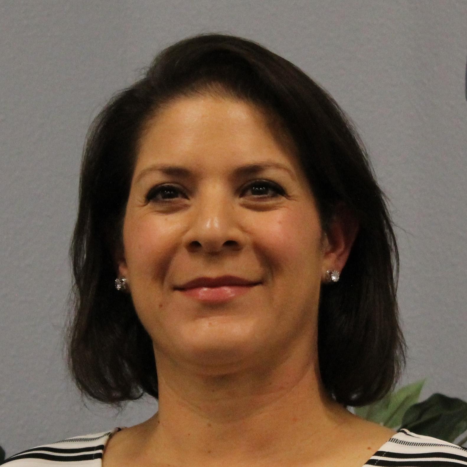 Dr. Claudia Moya Tanner