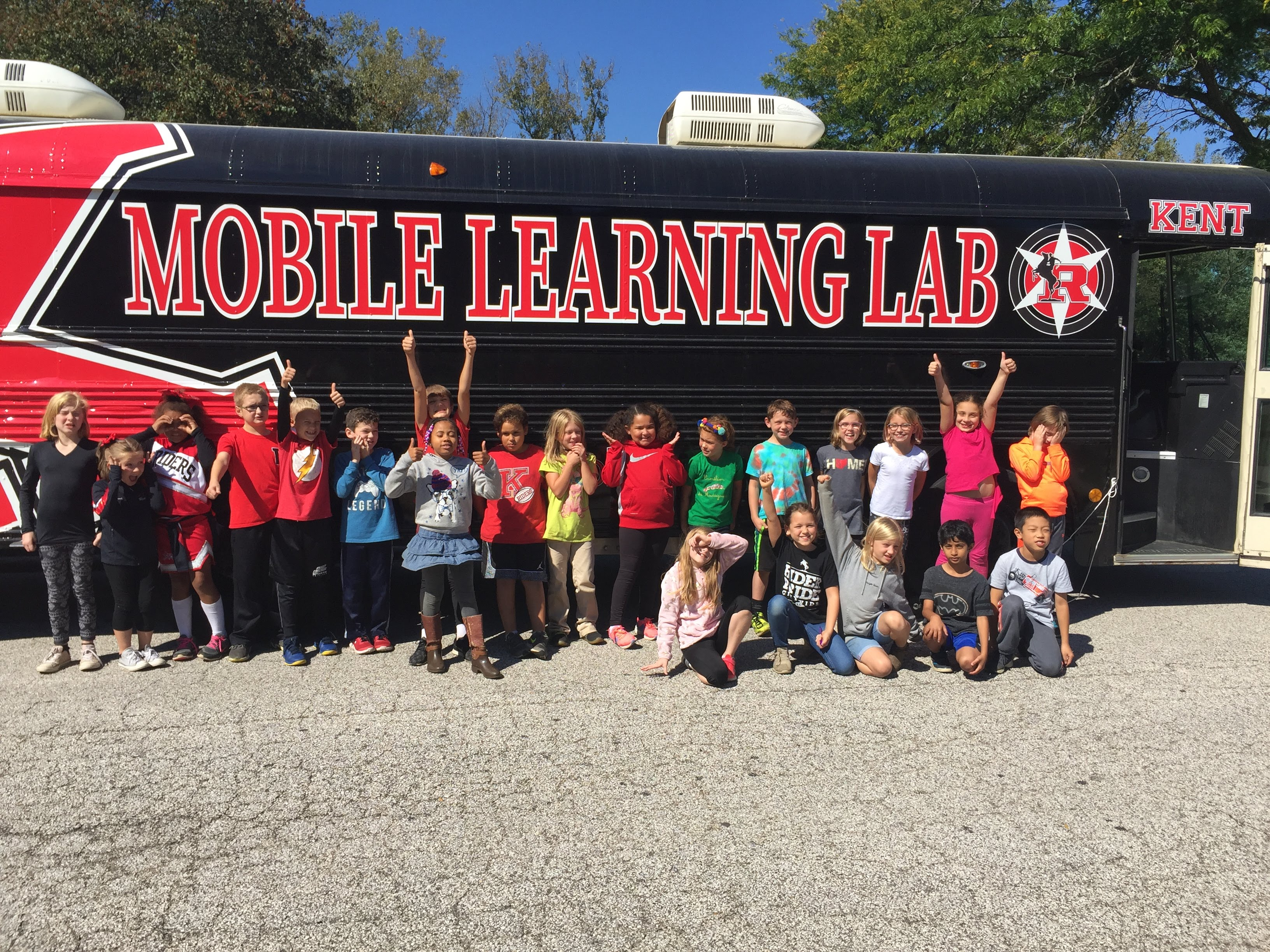 Kent Mobile Learning Lab with students in front