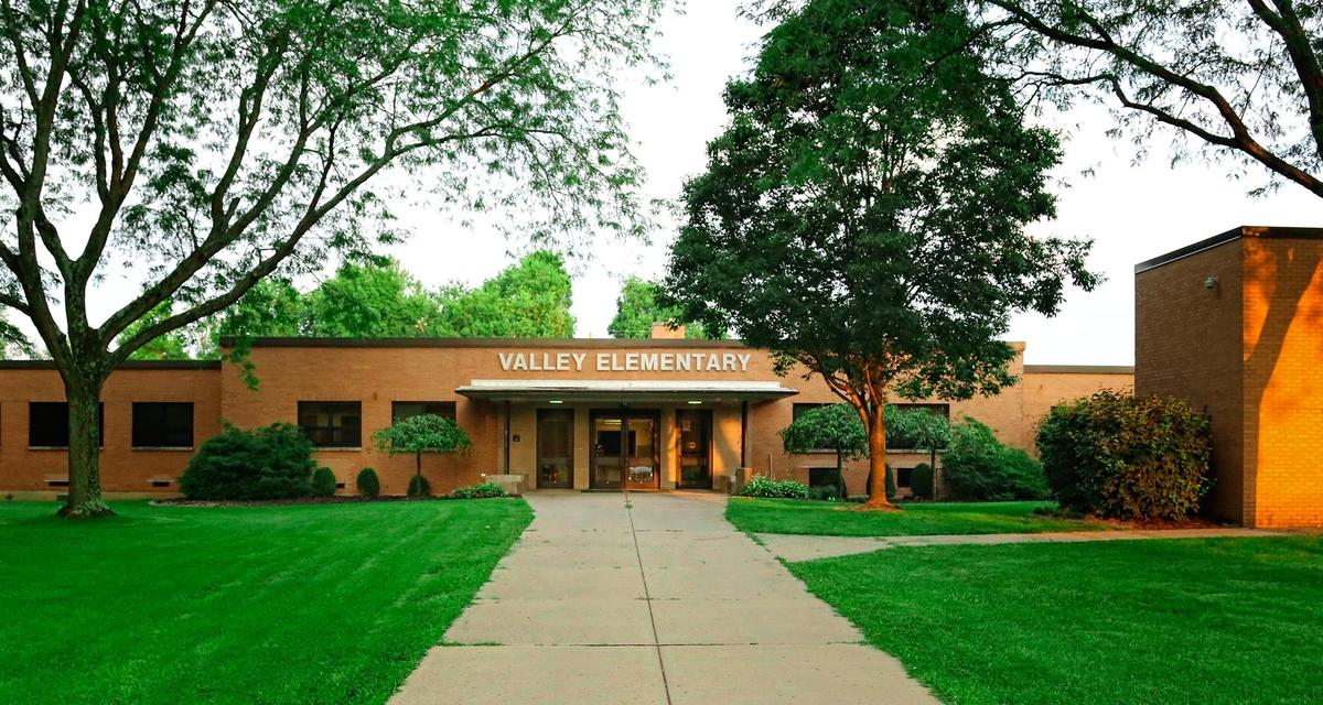 Photo of Valley Elementary.
