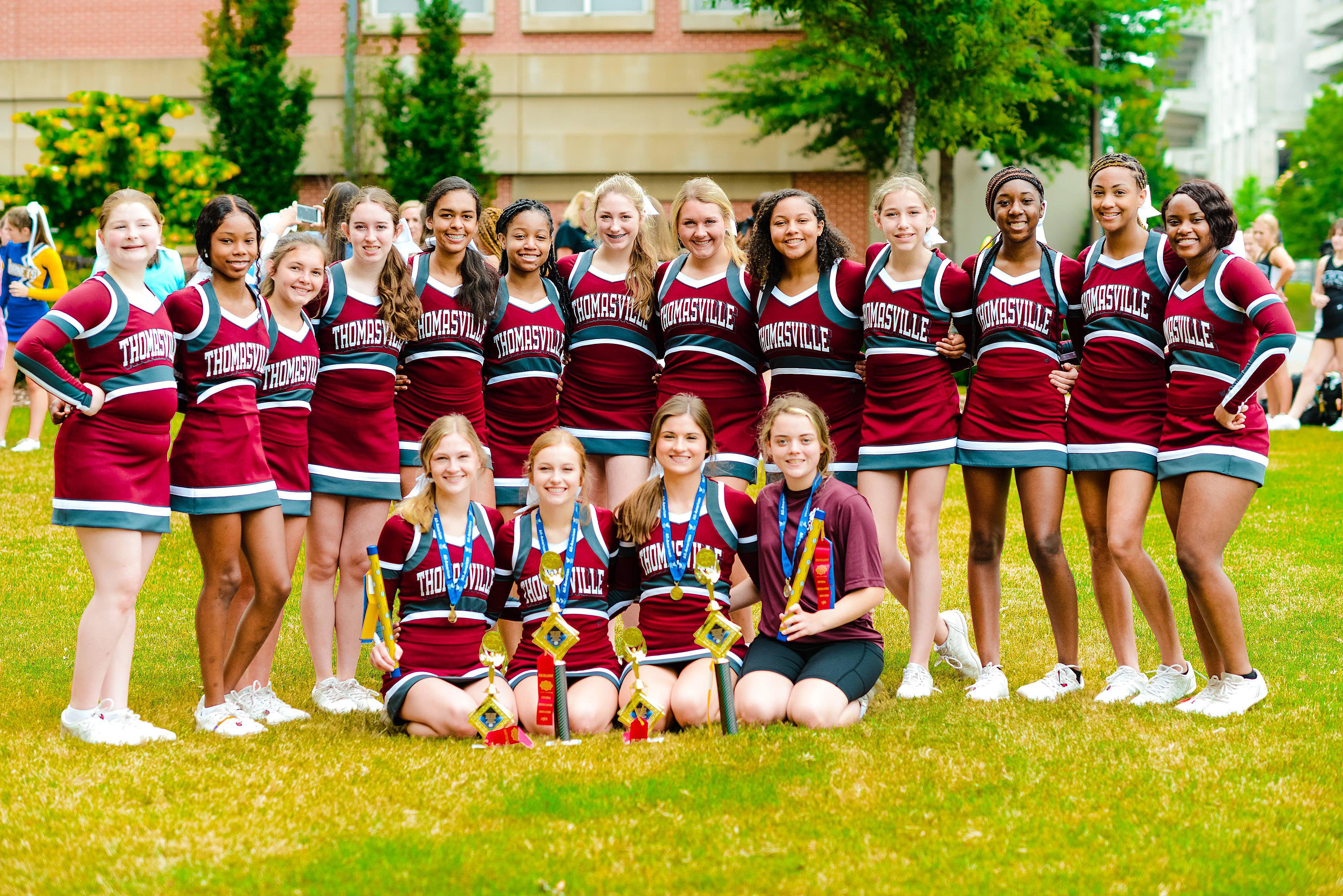 THS Cheerleaders at Cheer Camp