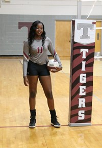 Volleyball senior Ma'kayla Jones