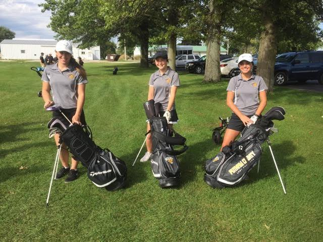 photo of PCHS golfers with new bags